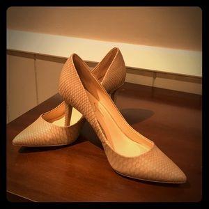 Jessica Simpson snakeskin tan heels